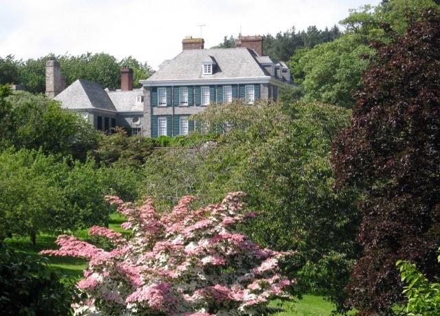Mothecombe Garden Cottage in Springtime
