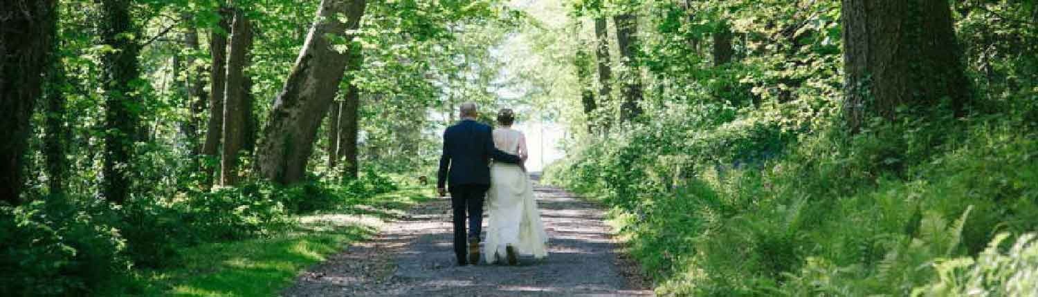 bride and groom on Flete drives