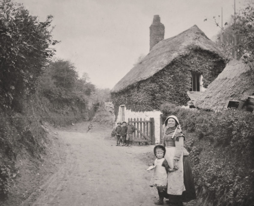 Vitorian Mother & children, Flete Estate