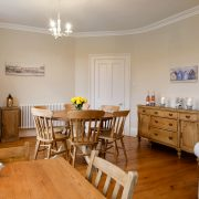 Pamflete Flat lounge with dining area