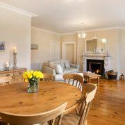 Pamflete Flat lounge and fireplace