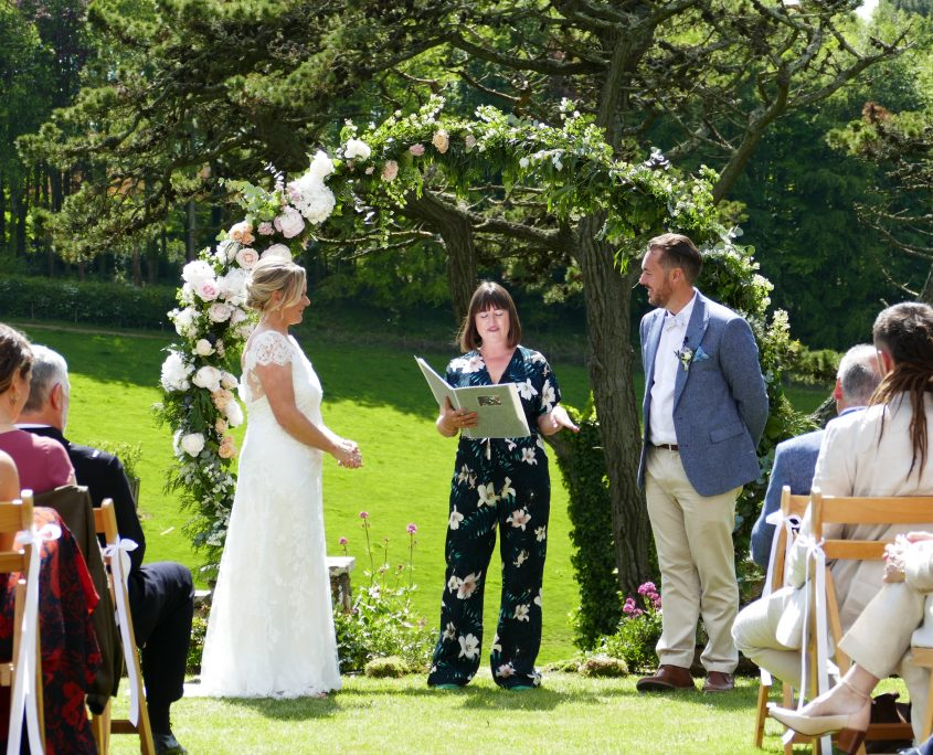 Bride, Groom, Pamflete House, wedding venue, countryside outdoor location